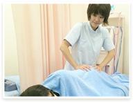 女性スタッフによる施術